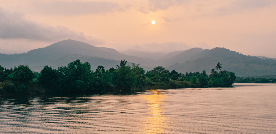Sightseeing on the waters of Kampot River
